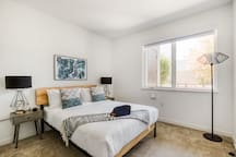 Lovely 2BR in Mountain View, Gym + Pool by Zeus