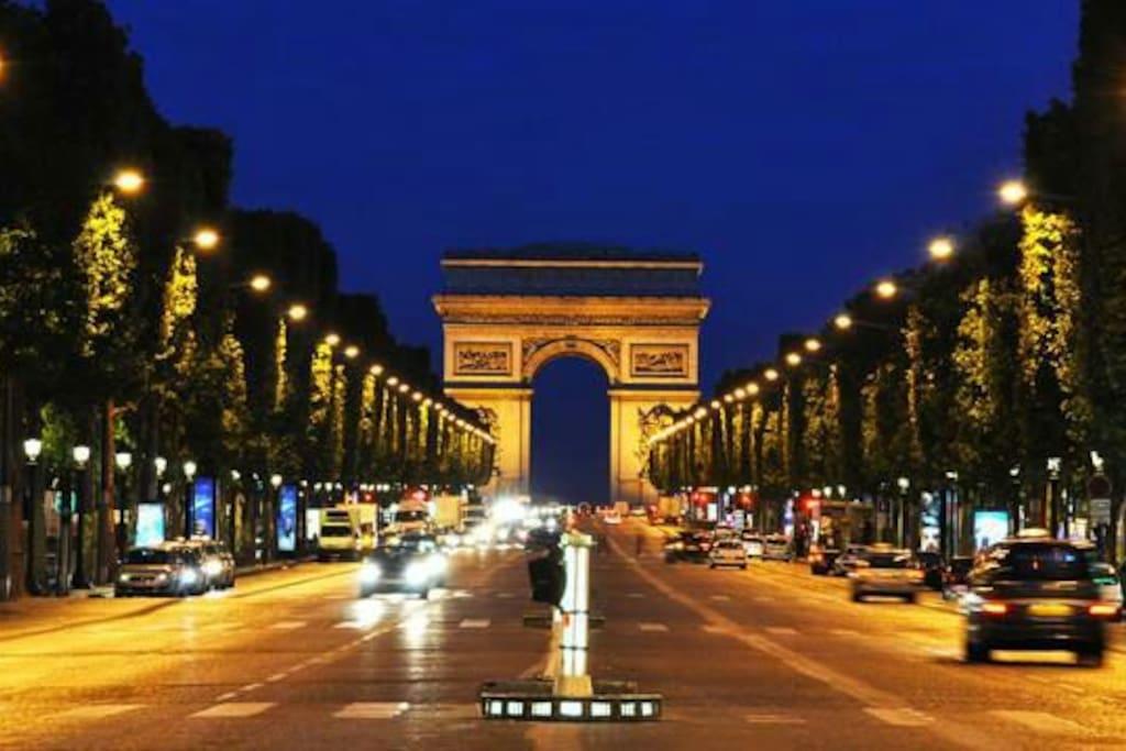 5 min from les Champs-Elysées
