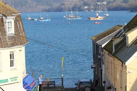Spacious Accommodation in Salcombe - Salcombe