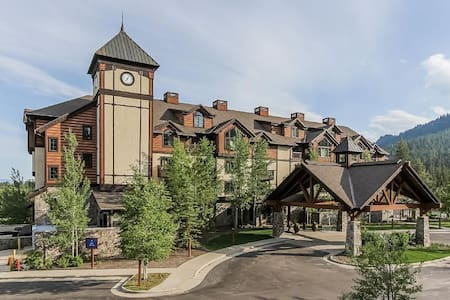 Luxury Tamarack Condo- Osprey Meadows Suite 202 - Donnelly - 公寓