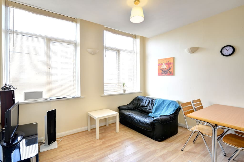 living room newcastle 2 bedroom apartment in chinatown apartments for rent in 11467