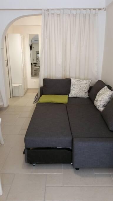 divano letto aperto (sofabed)