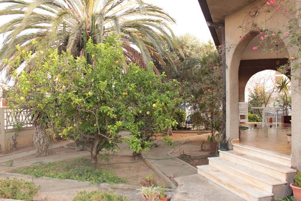 Casa con giardino indipendente case in affitto a - Casa con giardino milano ...