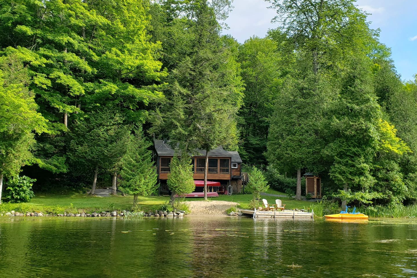 """Complete privacy in our little cottage nestled in the bay.  Perfect place to launch the canoes. You too can be """" Sitting on the Dock in the Bay"""""""