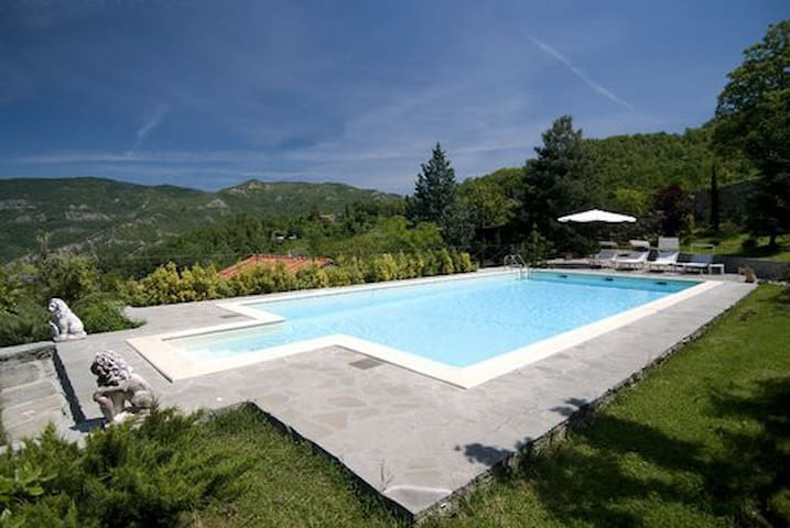 Wonderful Tuscan Villa  12+1 sleeps - Casale - Villa