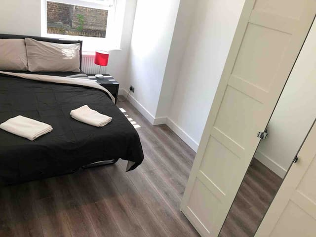 NEW FLAT IN NOTTING HILL, BAYSWATER, SUPER CENTRAL