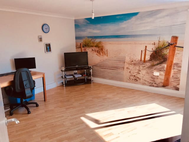 Double room  - £517 per Month , near T2/T3//T4/T5
