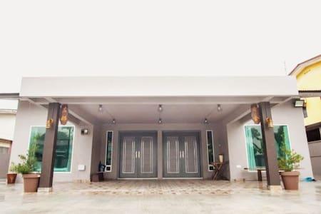 【右舍】Dual-Key Bungalow with BBQ Courtyard 简约独栋民宿