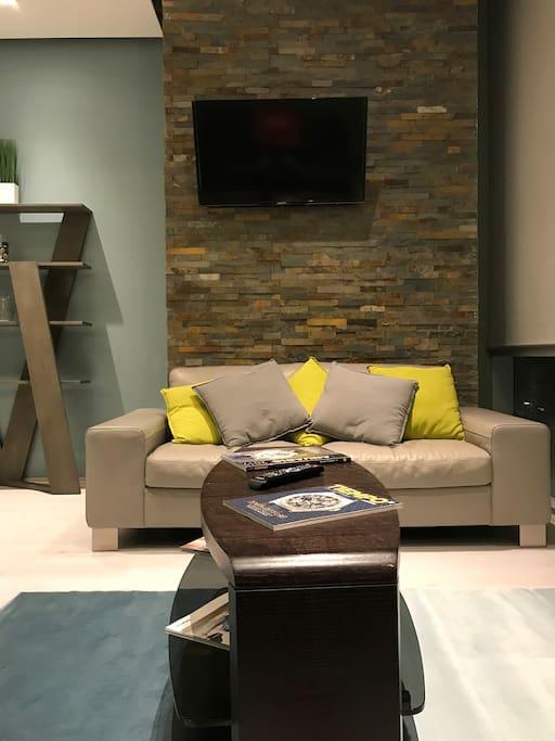 Sofá y TV