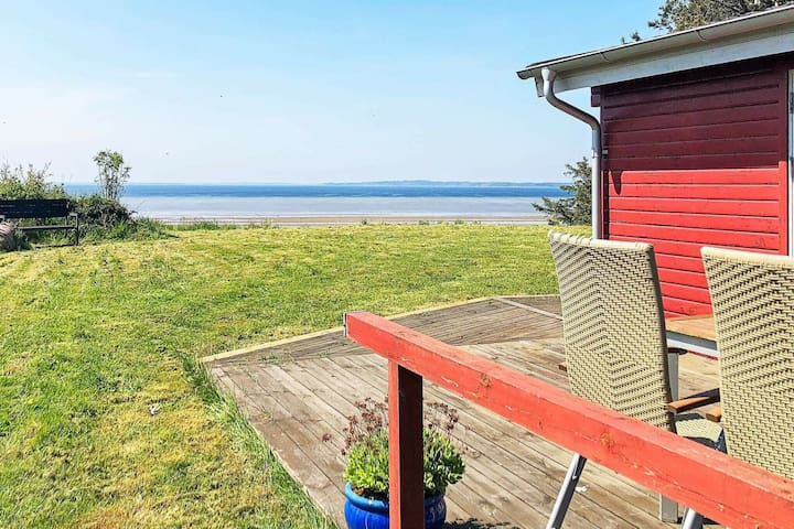 6 person holiday home in Gedsted