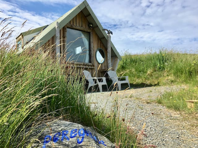 NEW PEREGRINE tiny-house, beachview, Isle ofHarris
