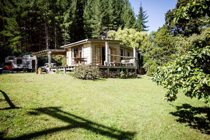 Rivers Edge Cottage - Ngatimoti - Ev