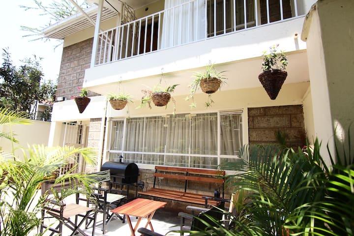Chez Robin & Wira Near Yaya Centre.