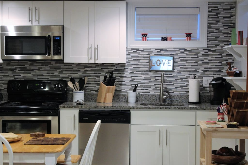 Fully accessorized kitchen.