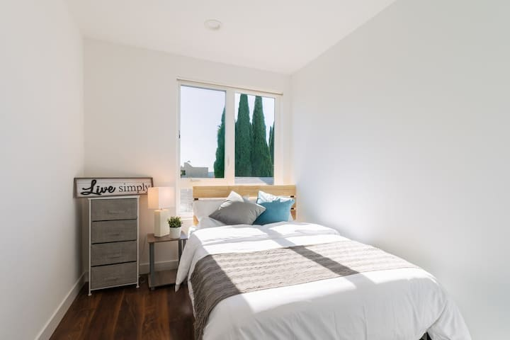 Modern private bedroom in heart of Hollywood