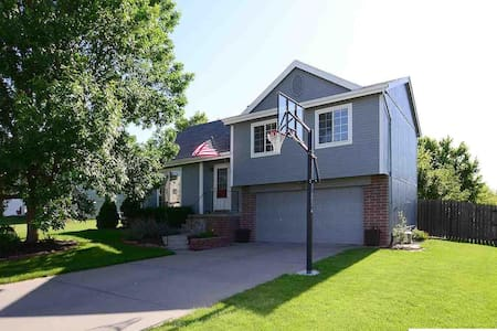 Military Friendly Home Away From Home - Papillion - Casa