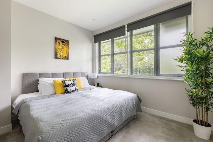 homely -Watford Junior Apartment (Warner Bros)
