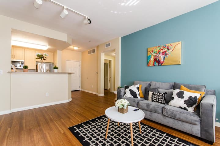 Two bedroom Downtown Disney Apartment