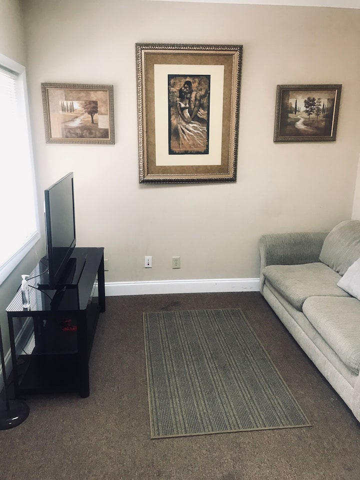 Comfy Bed/Office in Norcross (Read Description)
