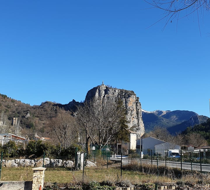 Castellane : Joli logement de vacances  (Lavande)
