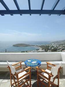Veranda me thea/Balcony with a View - Tinos - House