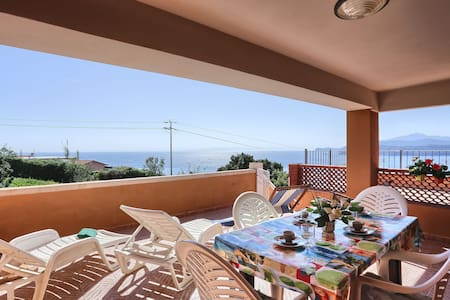 With panoramic view and near the beach - Appartamenti Golfo Stella - App. 1