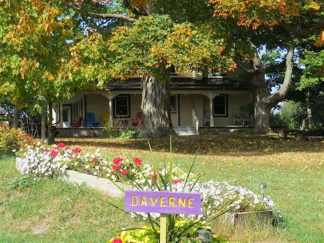 Daverne Farmhouse 1815