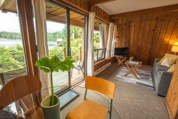The Shoreline Tofino // Cabin Suite 1