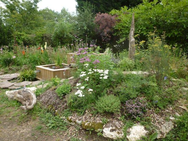 Résidence paisible dans un jardin en Val de Loire - Blois - House