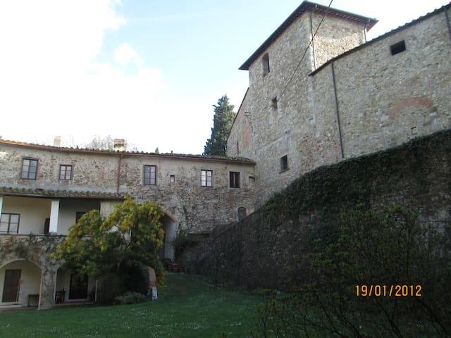 Ancient Castle in Chianti - Montefiridolfi - Dom
