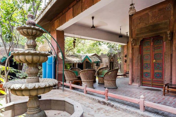 Private Room in Heritage Haveli 1 - Noida - Villa