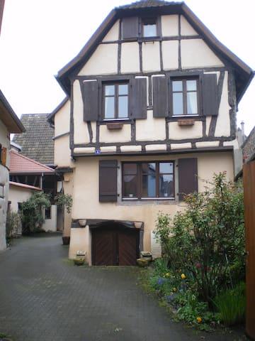 Chambre d'hôte ds village médiéval - Bergheim - Talo