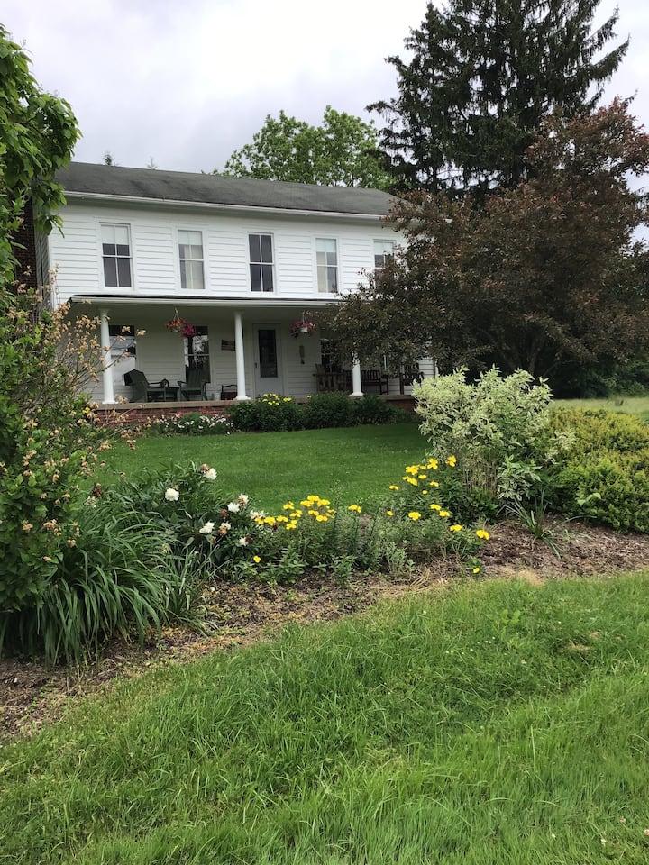 Peaceful Vintage Farmhouse