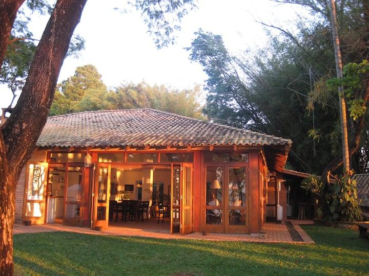 Casa na beira da represa Jurumirim Avaré +quadras