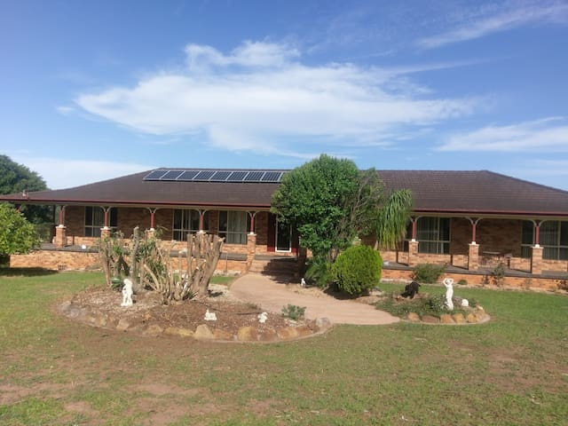 Country Rural Atmosphere 5minCBD Mountain ViewRoom - Macksville