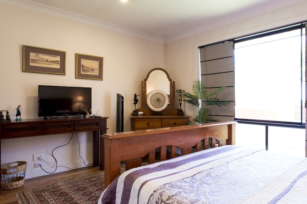 I/we enjoy creating a welcoming ambience and often have diffusers and oil burners in the room.  The TV in the room enables guests privacy.