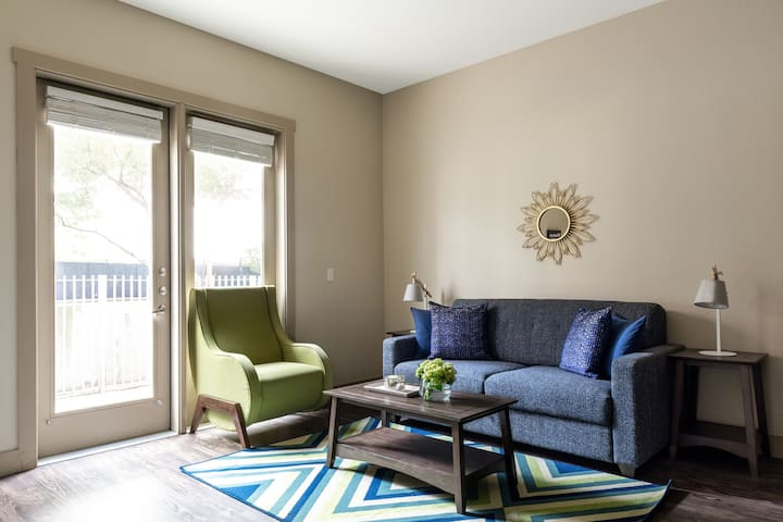 Beautiful One Bed on Matisse Drive