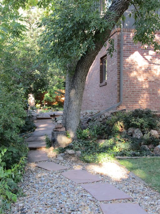 Flagstone path from street to entrance