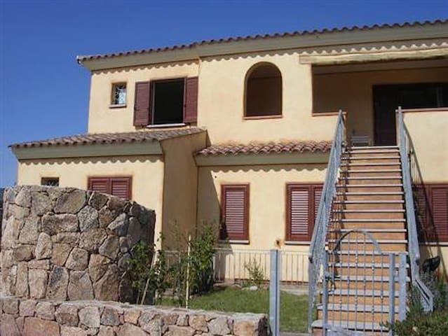 San teodoro casa 70 mq 5 posti case in affitto a san for Case in affitto san teodoro