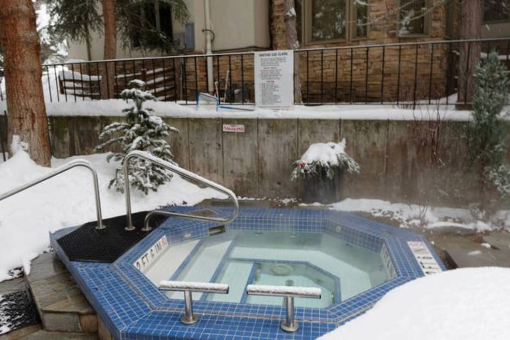 Hot tub just steps from front door. Robes included!