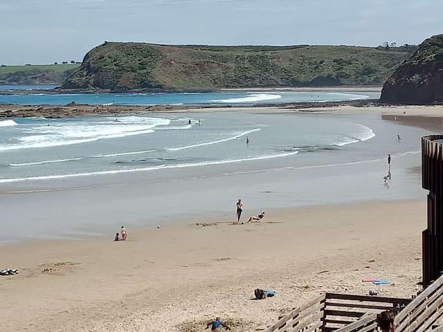 Smiths Beach Weekender: Serenity,  Surf,  Chill.