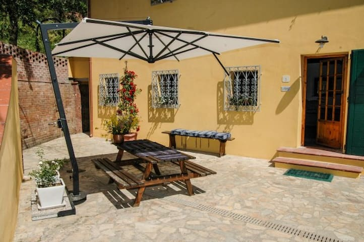 perfect hide away with pool sleeps6 - Vicopisano - Villa