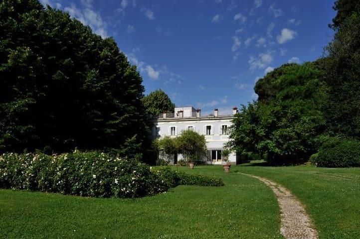 Luxury Estate (Rome) Casa VOSTRA - Ronciglione - Villa
