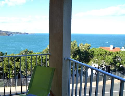 Studio terrasse avec vue sur mer