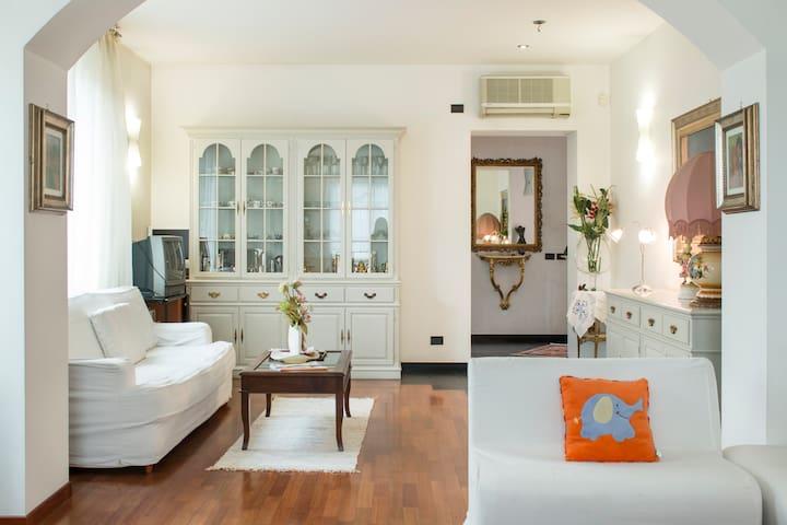 Appartamento 3 stanze 6 posti letto - Novate Milanese - Villa
