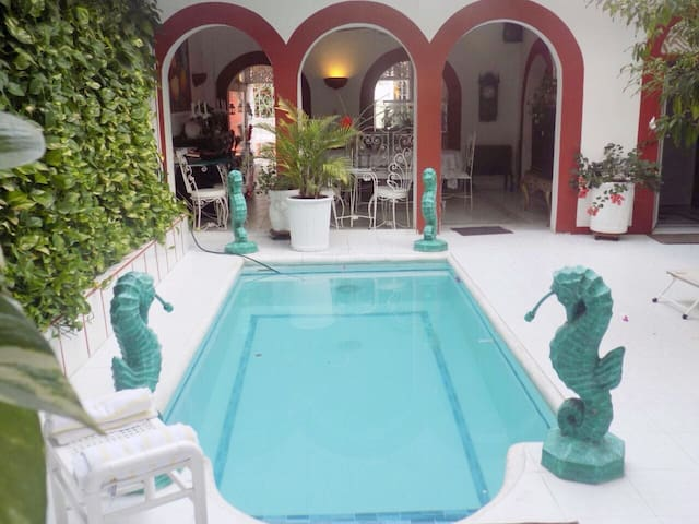 Room with private bathroom in the old town heart! - Cartagena - House