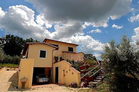 Prachtige vrijstaande villa Spoleto - Spolète