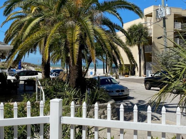 Cambria Beach House Clearwater Beach