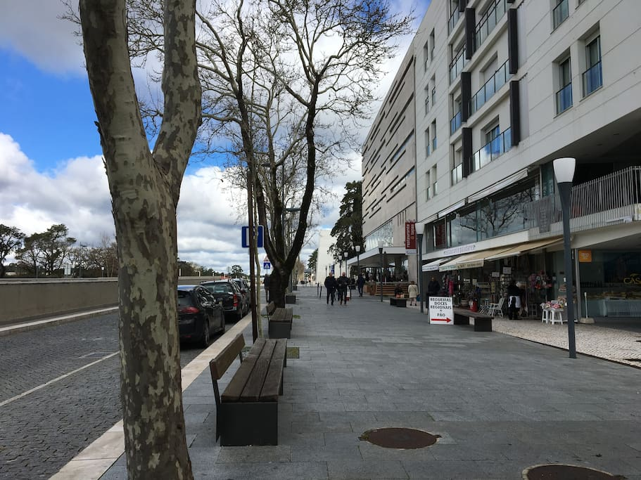 Avenida do edifício do apartamento