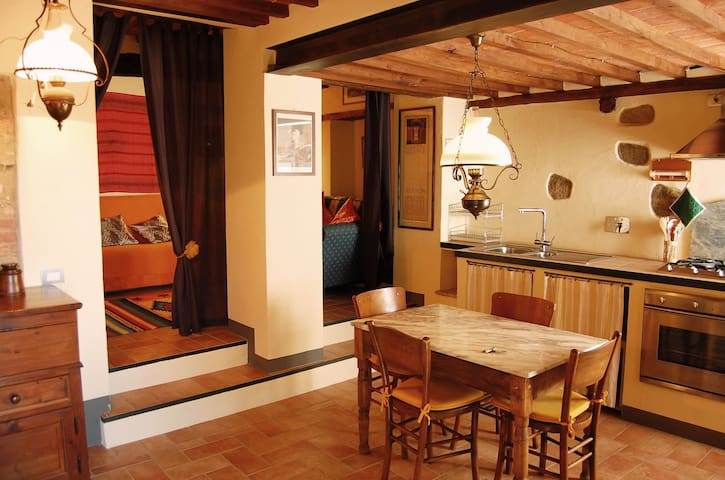 La Casina in the village close to Siena - Murlo (SI) - Apartemen